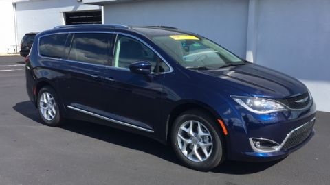 New Chrysler Pacifica Touring L