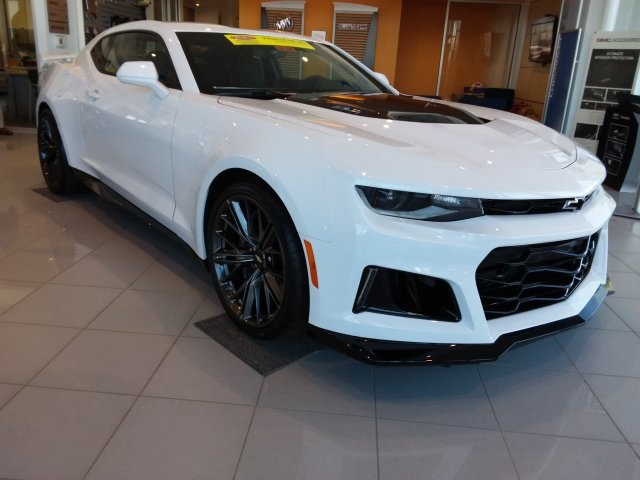 New 2019 Chevrolet Camaro Zl1 2d Coupe In Greenfield Gk320 Dellen